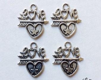 8 love heart charms - SCH101