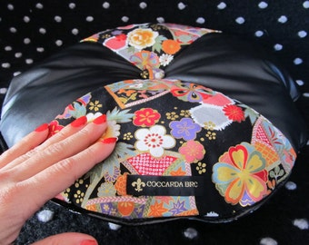 Round cushion to Flowering and leather Wedges (smallest model-black)