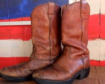 Do you like 'em beaten up and broken in?? Here ya go! Awesome brown leather, mens's size 11.