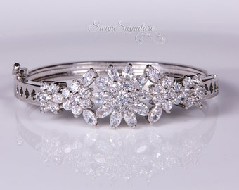 Crystal bracelet, Bridal bracelet, Rhinestone Bracelet, Swarovski Bracelet, Wedding bracelet, Bridal accessories, Prom, Crystal Bracelet b20