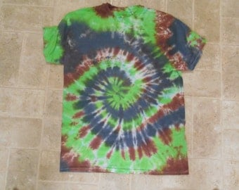 hand dyed unisex tie dyed t-shirt, size adult medium, clothing, hippie, tie dye