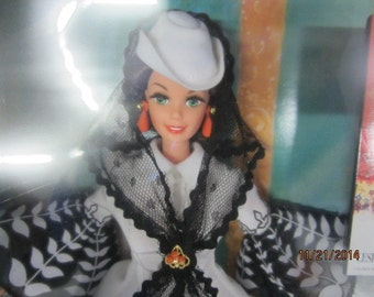 Free Shipping!!!      1994 Scarlett O'Hara Barbie - White and Black Gown, MIB