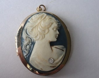 Cameo Style Necklace Charm Locket