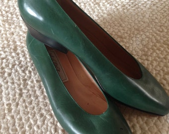 Vintage Saks Fifth Avenue Green Shoes