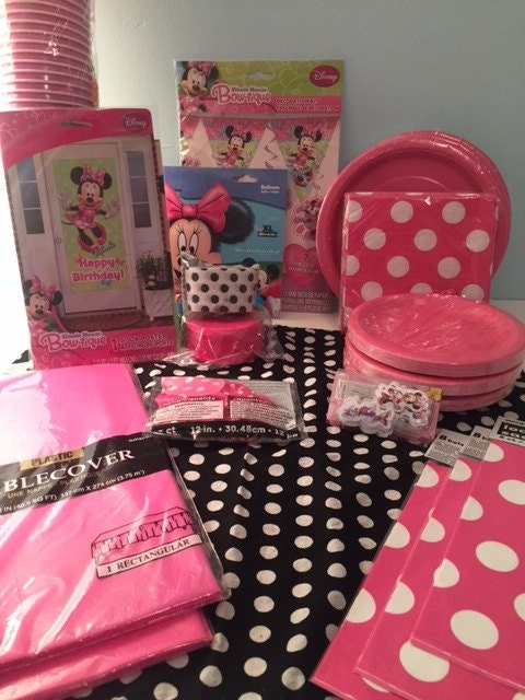SALE Deluxe Minnie Mouse Birthday Party Kit for 24 by SIMPLE2PARTY