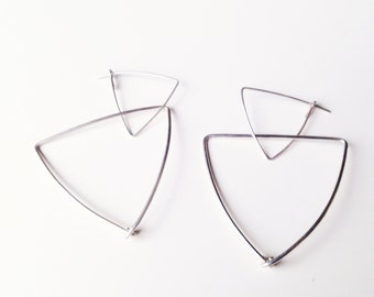 Geometrical silver earrings. Free delivery.