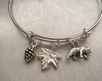 Bear-bracelet with bear pine cone and leaf