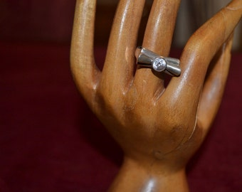 Sterling silver ring with zirconia tjan168