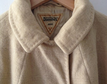 Dominex cream wool overcoat with subtle check pattern