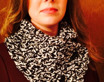 Crochet Scarf, Crochet Cowl, Ladies Neckwarmer, Button Cowl, Black and White Scarf
