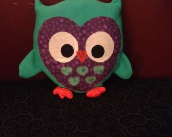 "9"" Plush Owl Pillow"