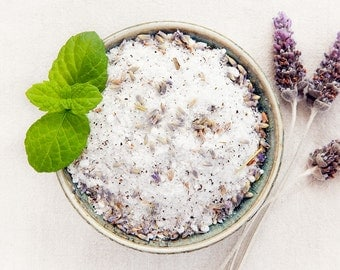 Lavender Bath Salts / /  All Natural Palm Oil Free Vegan Ingredients  / / Relax & Unwind Luxury Body Spa
