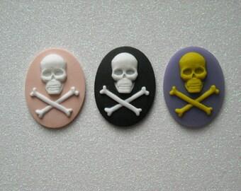 Skull and Crossbones Cameos (3 Pieces)