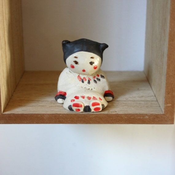 sculpture murale ange de maison assis porte bonheur num ro. Black Bedroom Furniture Sets. Home Design Ideas