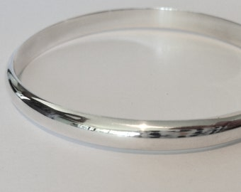 Solid silver bangle. Sterling silver bangle. Plain silver bangle. Handmade silver bangle. 925 silver bangle.