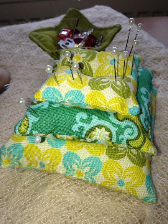 Pin Cushion - 3 tiers - 2 colour options