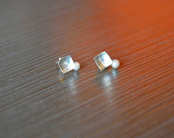 Sterling Silver with glass Pearl Earrings