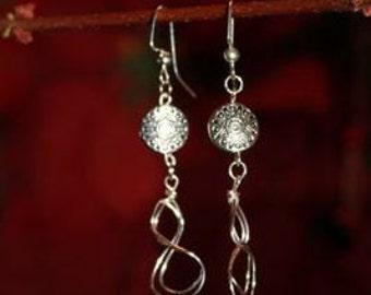 Silver Twist Dangle Earrings ~~~~~~~~~ Item ID: M000019