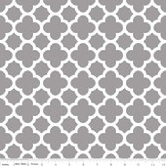 Quatrefoil Basics Riley Blake C435-40 Grey 1/4 yard to 1/2 yard