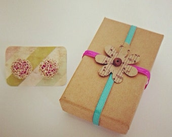 Beautiful handmade pink and gold wire Earrings