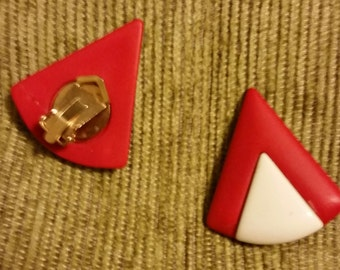 Vintage 80's Bold and Chunky Art Deco Geometric Red and White Design Triangular Clip on Style Earrings