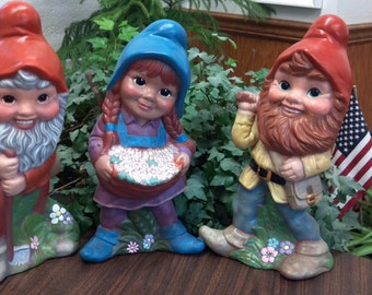 3 gnomes looking for new ghomes