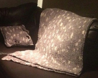 Blanket and matching Pillows