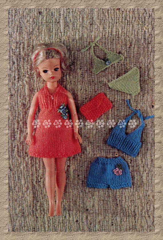 Knitting Patterns For Teenage Dolls : Vintage Knitting Pattern to make Cute Holiday by ickythecat