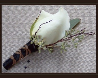 Masculine Chic -  The Perfect Combination of Manly and Beautiful - Pack of 4 Boutonnieres