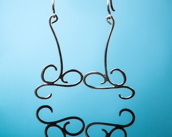 Silver earrings AINE104A. Light silver earrings.