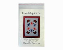 """Friendship Circle Quilt by Hannily Patterns, 19-1/2"""" x 24-1/2"""" Charming Easy Applique Quilt, Factory Folds and Uncut"""
