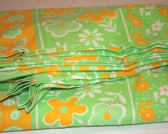 Vintage Double Size Green and Orange Floral Bed Sheet, Reclaimed Bed Sheet, Double Size Sheet, Vintage Sheet, Sheet For Fabric