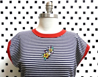 Striped Anchor and Flower Knit Shirt- Vintage Nautical Knit Top- 1980s- Red White and Blue- Size Medium