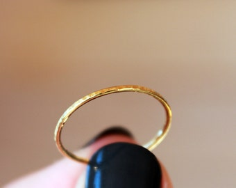 18k Yellow Gold Stacking Ring, Hammered Gold Band, Skinny Gold Stacking Ring, Slim Petite Elegant High Karat Gold Ring, Recycled Gold