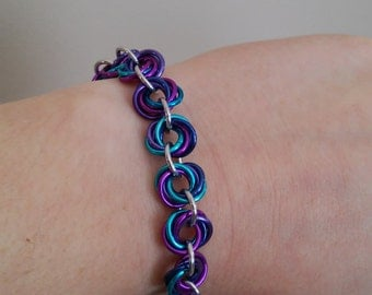 Berry Mix Love Knot Chainmaille Bracelet