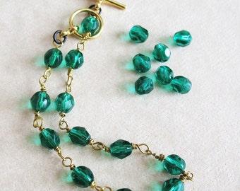 Green Beaded Bracelet St Patrick's Day Handmade Jewelry For Women Czech Glass Beaded Bracelet