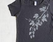 Womens Graphic Tee- Organic Cotton T Shirt- Womens Gray T Shirt- Beer Screen Printed Shirt with Hops- 100% Organic Cotton Clothing for Women