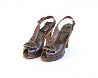 Vintage Brown DeLiso Debs Peep Toe Pumps