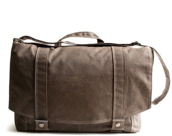 Messenger no.1 - in BROWN waxed canvas
