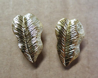 Vintage Shiny Gold Plated Filigree Earrings (2 Pairs) (J499)