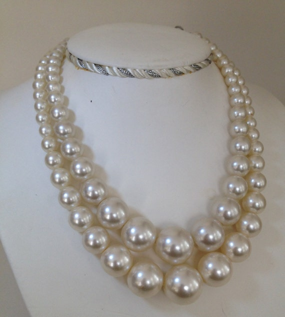 "Vintage faux pearl double-strand beaded necklace ""Mad Men"""