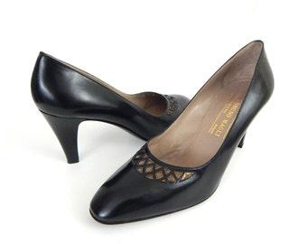 Vintage 80s Black Bruno Magli High Heel Pumps - Size 9 B - Women's Designer Italian Leather Shoes