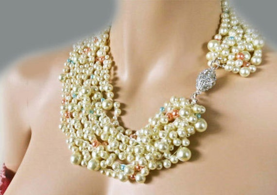 Bridal Chunky Necklace, Bold Wedding Pearl Necklace, Blue Peach Cream Pearl Statement Necklace, Bridal Jewelry, Wedding Jewellery