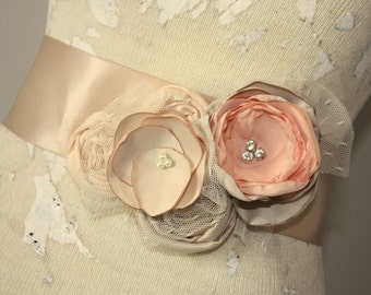 Dress sash, Champagne and peach bridal sash, fabric flower wedding dress sash