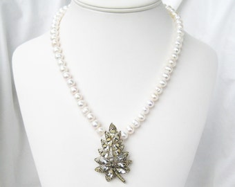 Rhinestone Leaf Necklace, White Pearl Necklace, Vintage Rhinestone Pendant, Silver 19 inch Necklace, Light Ivory Freshwater Pearl, Frond