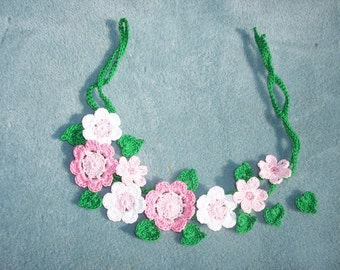 crochet applique vine,  leaves and pink flowers - 726