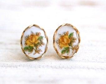 Yellow rose stud earrings. Tiedupmemories