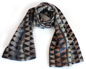 Printed wool scarf, blue triangles, long, double-sided wrap, triangular pattern