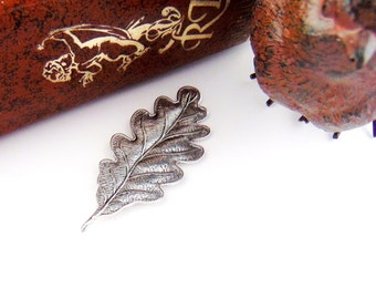 ANTIQUE SILVER * (2 Pieces) Woodland Oak Leaf - Leaves Stamping ~ Jewelry Findings  (FB-6036)