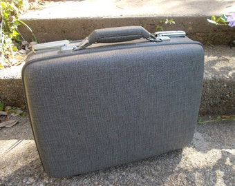 American Tourister Tri Taper Midget Suitcase in Grey Tweed for your Bare Essentials an Overnighter